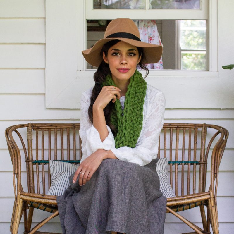 >Grounded Cowl – online class and crochet pattern