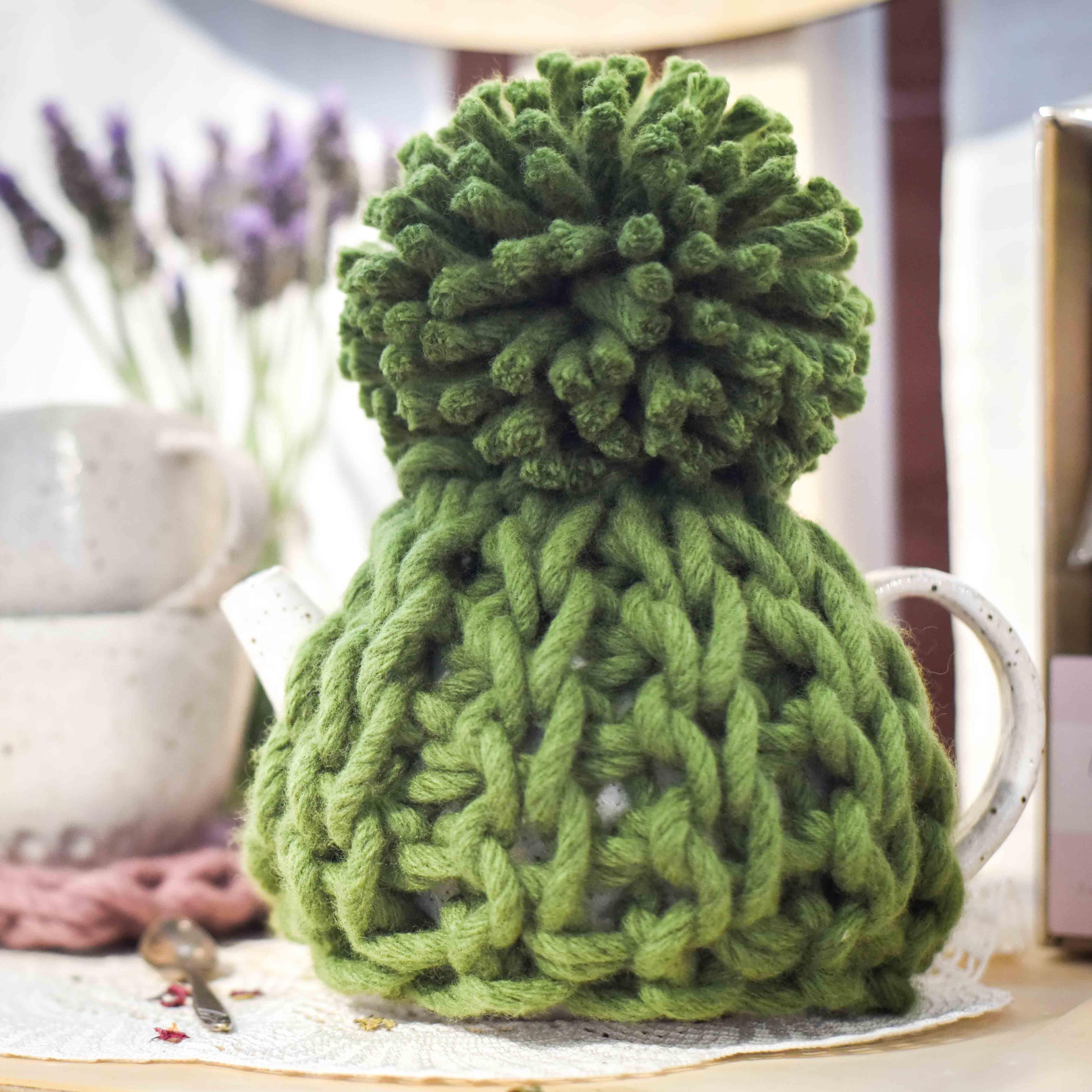 Toasty Heart Teapot Cosy Chunky Crochet Pattern and Online Class | Homelea Lass