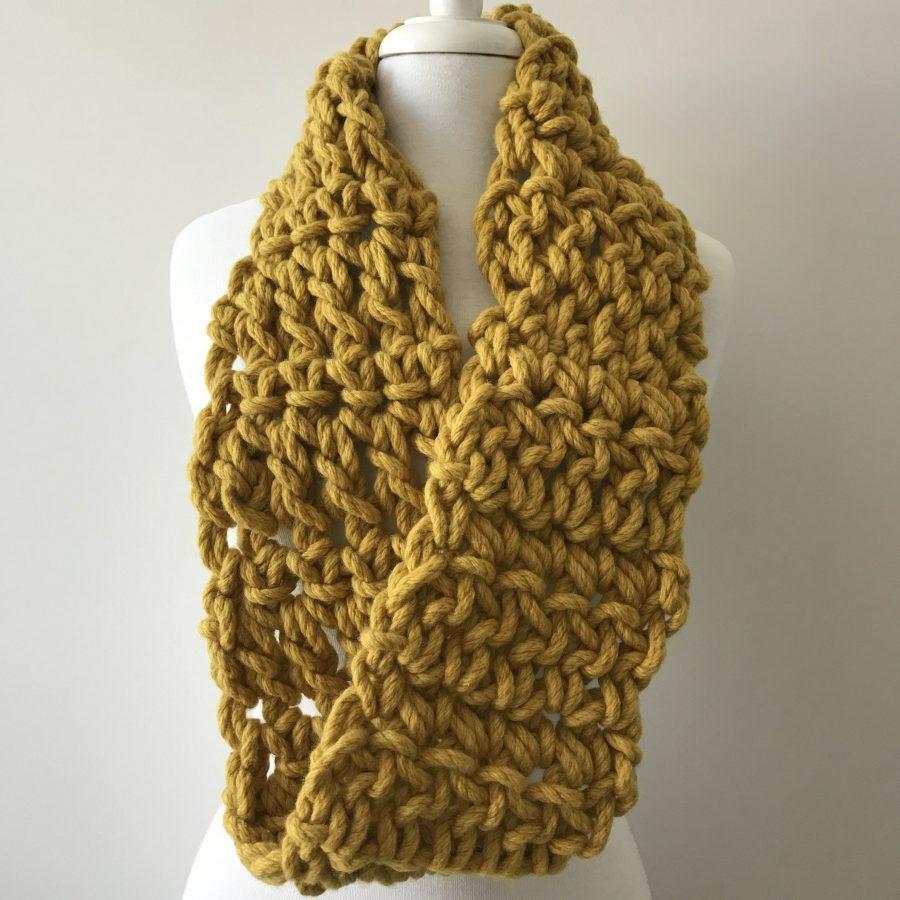 How to crochet a chunky cowl workshop with Australian merino wool | Homelea Lass