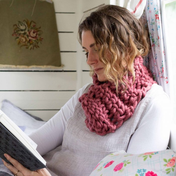 Melbourne Snood - chunky Australian Merino Wool Yarn   Homelea Lass