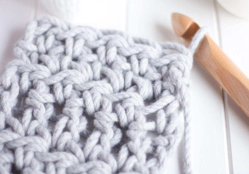 Chunky Scarf Crochet Kit - learn to crochet - Australian Merino Wool - grey Warm Heart Scarf | Homelea Lass