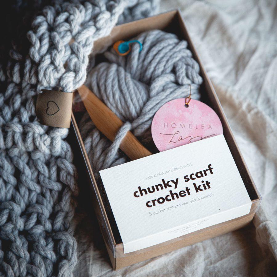 Chunky Scarf Crochet Kit - learn to crochet - Australian Merino Wool - grey | Homelea Lass