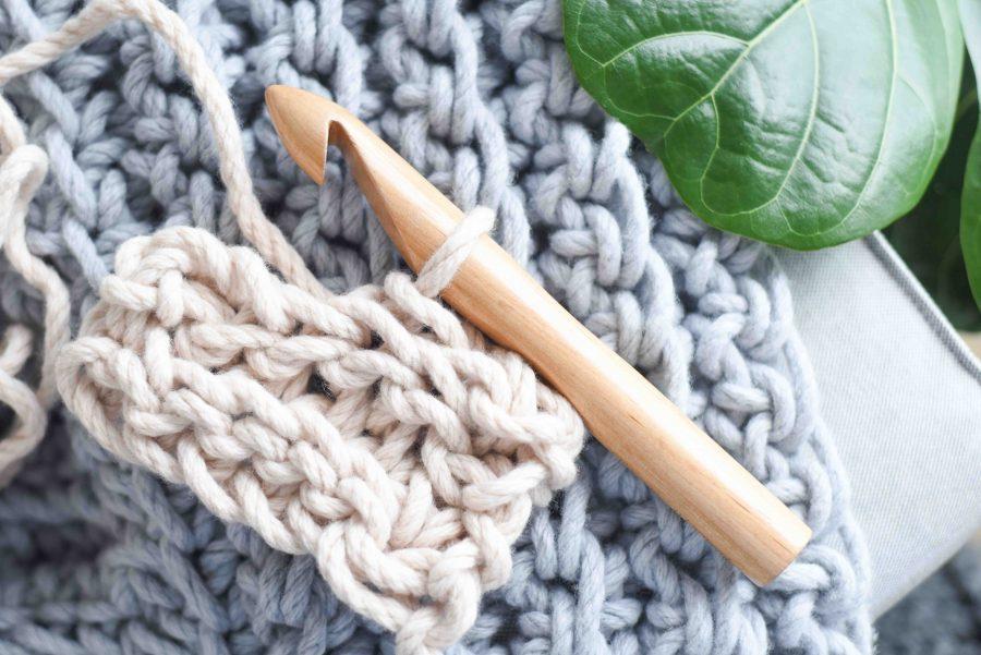 Crochet beautiful chunky blankets | Homelea Lass
