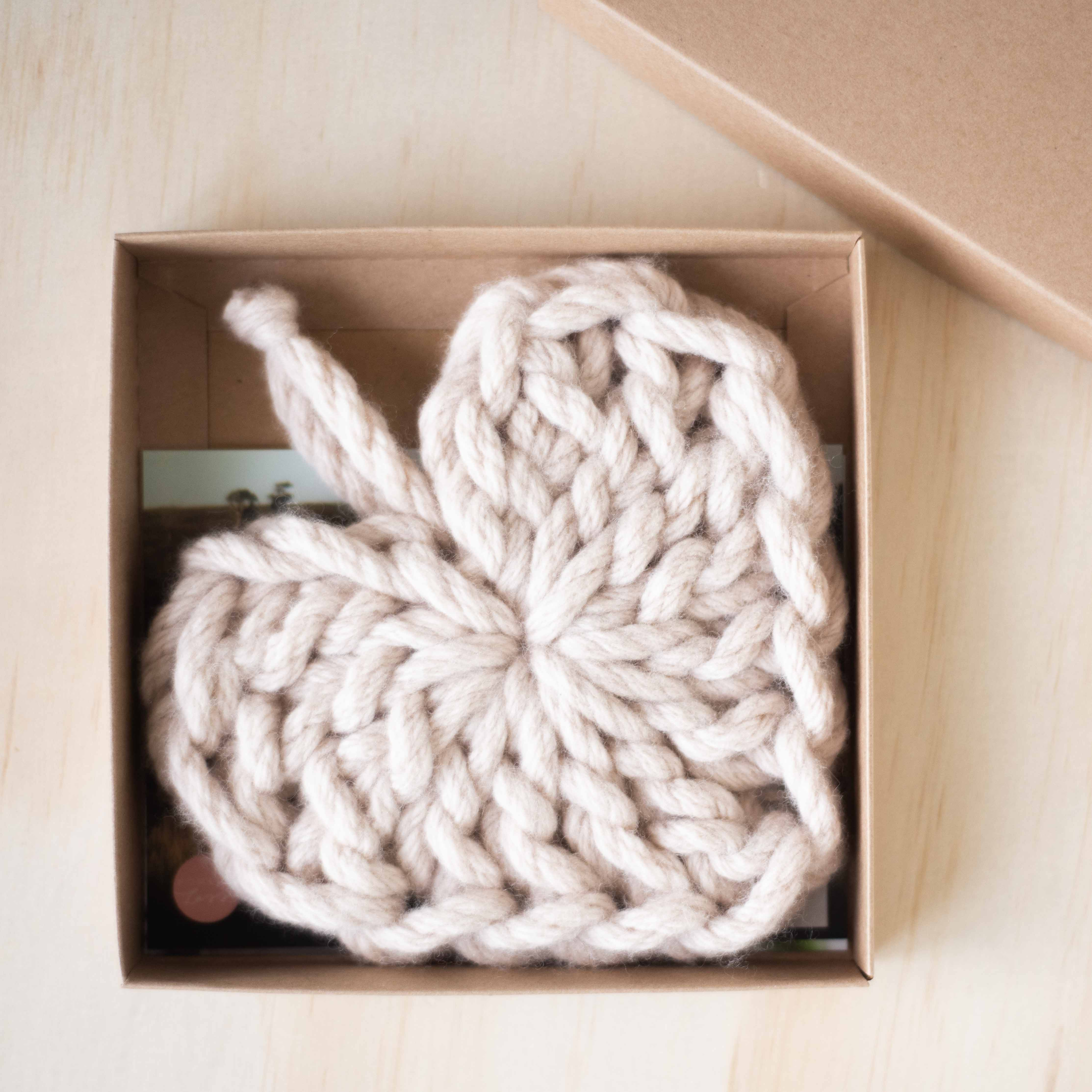 crochet hearts instead of chocolates - how to assemble gift boxes | Homelea Lass Contemporary Crochet